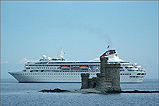 The Fred Olsen 'Braemar' in Douglas Bay - (8/7/05)