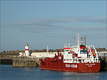 "The LPG tanker ""Sigas Crusader"" at Battery Pier - (23/4/04)"
